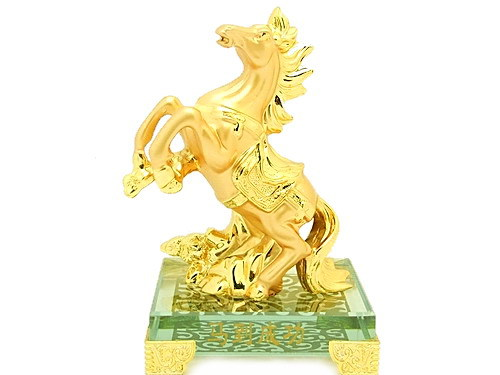 golden_horse_figurine_for_victory_success_luck_1__04627_1395025979_800_600